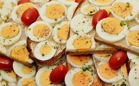 Πάρτε την πρωτεΐνη που χρειάζεστε από το γεύμα χωρίς να ξοδεύετε χρήματα σε συμπληρώματα