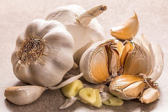 Μία πολύτιμη ιδιότητα του σκόρδου που  ίσως δεν γνωρίζετε