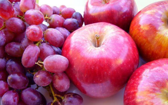 Φάτε φρούτα! Μύρτιλα, μήλα και σταφύλια προλαμβάνουν τον διαβήτη