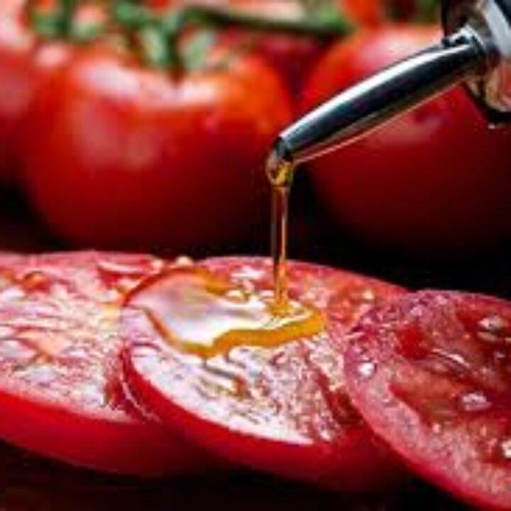 Ντομάτα + ελαιόλαδο: Γιατί ο συνδυασμός είναι ευεργετικός για την υγεία