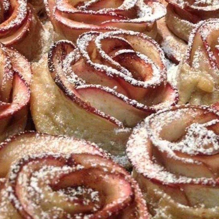 Mηλοπιτάκια τριαντάφυλλα, του Ζαννή Ζουγανέλη