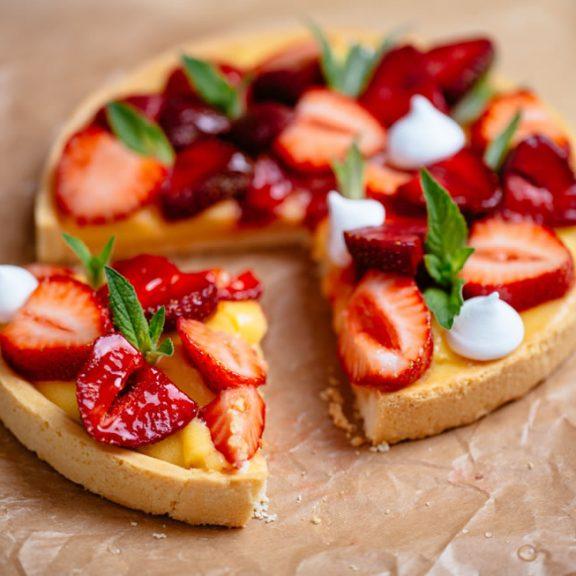 Τάρτα φράουλας με «αλεύρι» αμυγδάλου