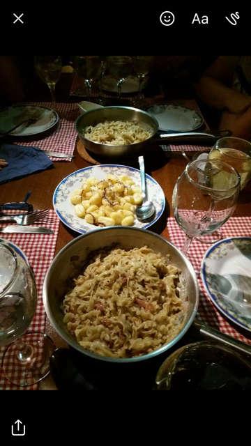 c57630a04591174080c546154e25e7cf.jpg Εστιατόρια Βρες που θα φας στην Αθηνα μας