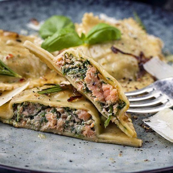Ιταλικά ραβιόλια με σπανάκι και σολωμό