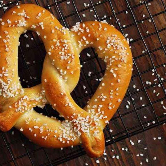 Γερμανικά αλμυρά κουλούρια ( pretzel )