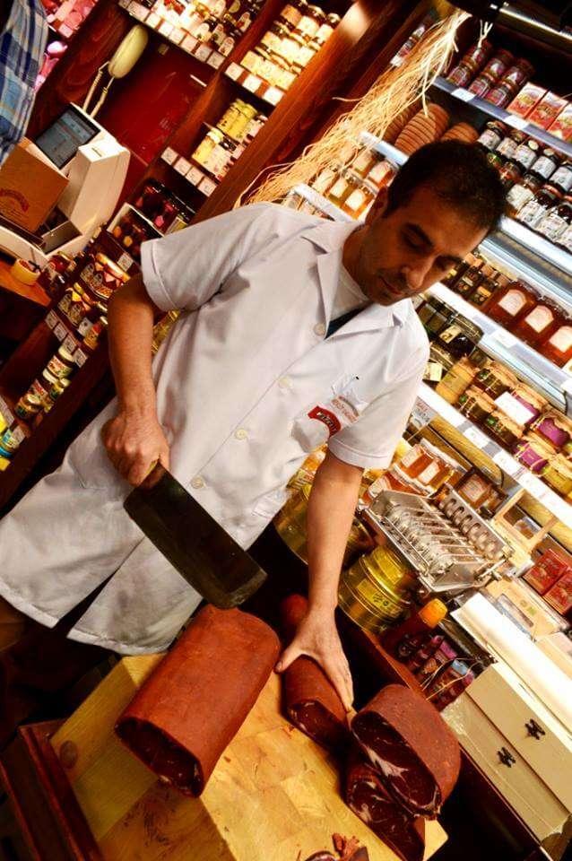 Παστουρμάς: Μια βρώμικη, γλυκιά, νοστιμιά!, του Γιώργου Μαυροειδή