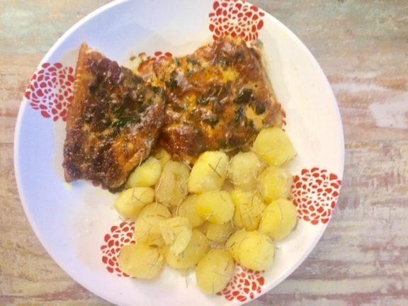 Ψητός σολομός με κρούστα μπαχαρικών και μουστάρδας, της Στεφανίας Κασσίμη