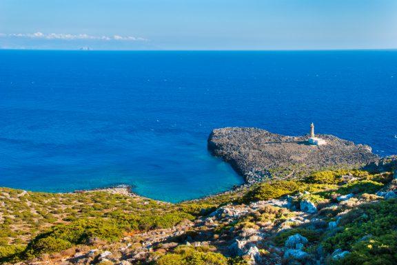 La Repubblica: Το άγνωστο μικρό ελληνικό νησί με τους 40 κατοίκους