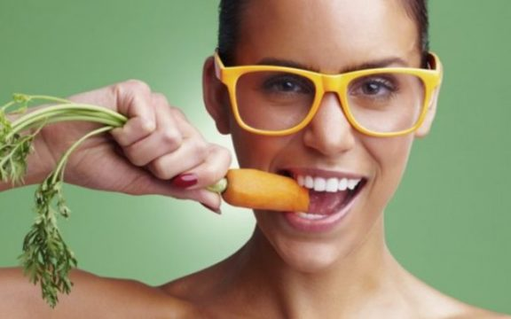 Οι πέντε τροφές που προστατεύουν την όρασή μας