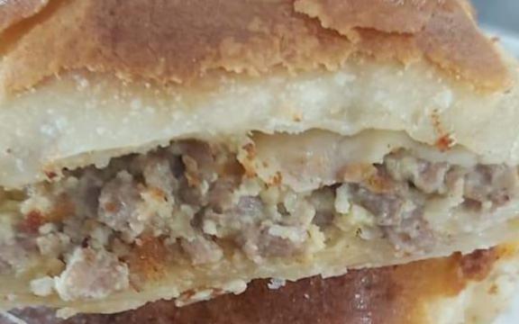 Πιτα με κιμά και μανιτάρια, με χωριάτικο σπιτικό φύλλο, από το Ηelena's Greek cooking της Ελένης Μαρτίδου
