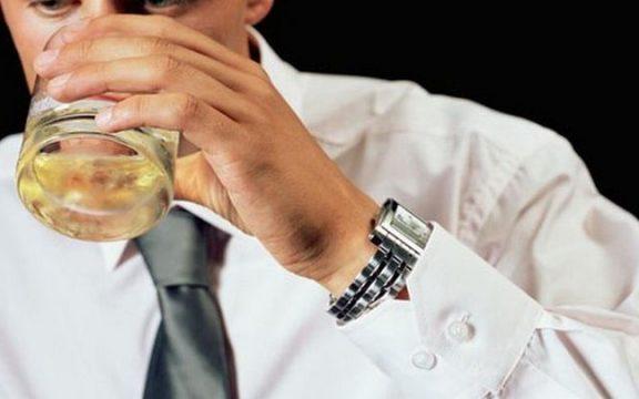Ο σοβαρός λόγος που οι μελλοντικοί μπαμπάδες πρέπει να αποφεύγουν το αλκοόλ τουλάχιστον τρεις μήνες πριν τη σύλληψη