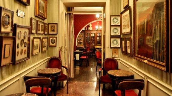 Tο ιστορικό Caffe Greco στη Ρώμη κινδυνεύει να βάλει λουκέτο -Λόγω εξωφρενικού ενοικίου