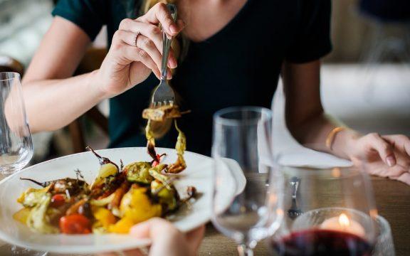 Δέκα παράξενα πράγματα που δεν γνωρίζεις  για τις τροφές που καταναλώνεις