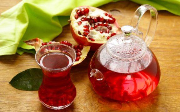 Το απόλυτο DETOX ρόφημα με πράσινο τσάι και ρόδι, εν όψει Χριστουγέννων