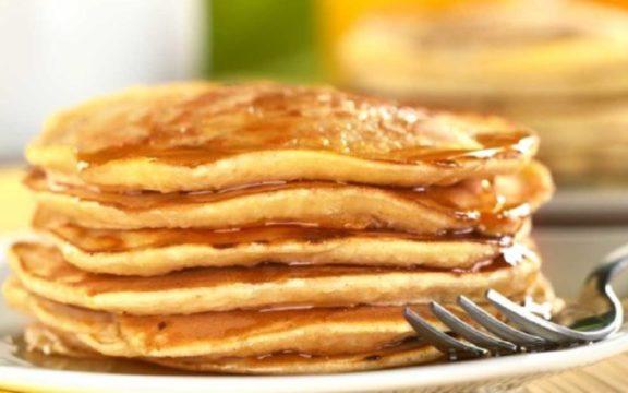 Σαρακοστιανά pancakes με ταχίνι, για απολαυστική νηστεία