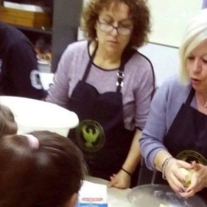 Παιδιά από τεσσάρων ετών μαθαίνουν τα «μυστικά» της ποντιακής κουζίνας