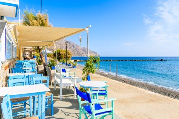 Αγριες Μέλισσες: Το χωριό Διαφάνι υπάρχει,  θα το βρείτε σε ελληνικό νησί και είναι ένας μικρός «θησαυρός»