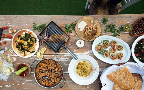 Είκοσι μοναδικές συνταγές για να γιορτάσετε τα Κούλουμα με ένα εντυπωσιακό τραπέζι!!!