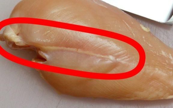 Τι σημαίνει αν δείτε λευκές ραβδώσεις στο ωμό κοτόπουλο και τί πρέπει να προσέξετε