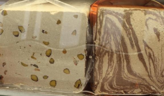 Χαλβάς: Τα προτερήματα ενός παραδοσιακού γλυκίσματος, της Ελένης Γλύκα Νικολαϊδη