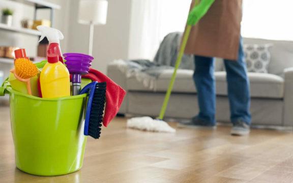 Πώς να απολυμάνουμε την κουζίνα του σπιτιού και τις τροφές μας