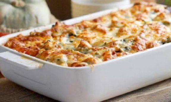 Αγιορείτικη συνταγή: Παστίτσιο με ρεβύθια και μπεσαμέλ λαχανικών